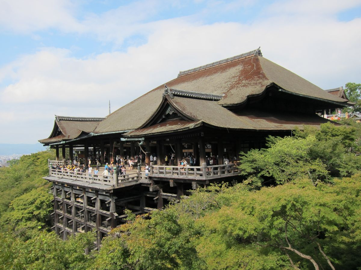kiyomizu-temple-high-stage-and-perfect-view